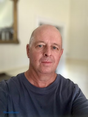 <span>Richie, 57</span><span style='width: 25px; height: 16px; float: right; background-image: url(/bitmaps/flags_small/AU.PNG)'></span><br><span>Brisbane, Australia</span><input type='button' class='joinbtn' style='float: right' value='JOIN NOW' />